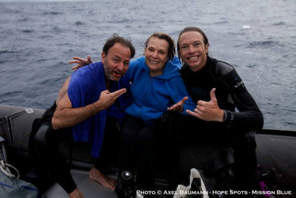 Fisher Stevens, Dr. Sylvia Earle and Bryce Groark after three dives on the Great Barrier Reef